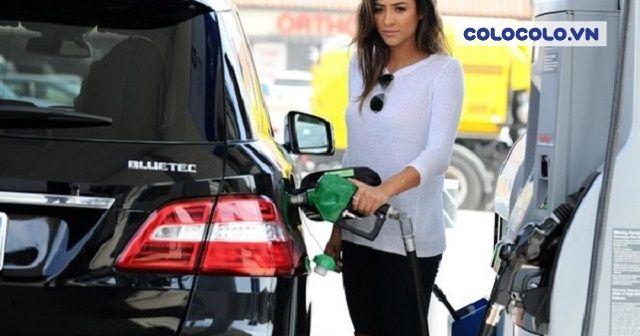 Đa phần chị em phụ nữ sử dụng ô tô rất ngại việc phải đổ xăng